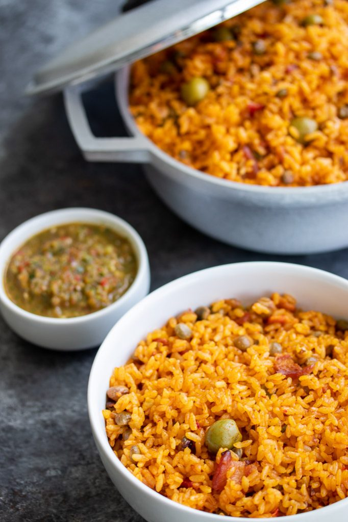 arroz con gandules traditional puerto rican rice with pigeon peas with sofrito on the side recipe